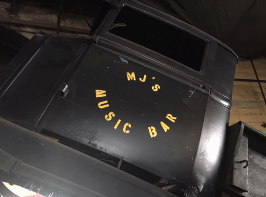 MJ's Music Bar truck